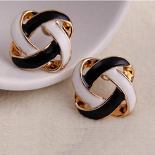 Hot 1 Pair Women Girls Korean Vintage Charming Black and White Simple Hollow Earrings Jewelry Gift(China)