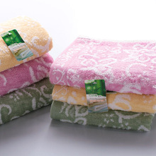 Towel manufacturers selling waste bamboo fiber untwisted yarn cotton towel to wipe your mouth infant children promotion(China)