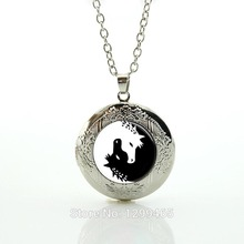 Horse Necklace Yin Yang Jewelry Black and White Animal Art Pendant Glass photo Charms Unicorn Art Picture locket Pendant N432