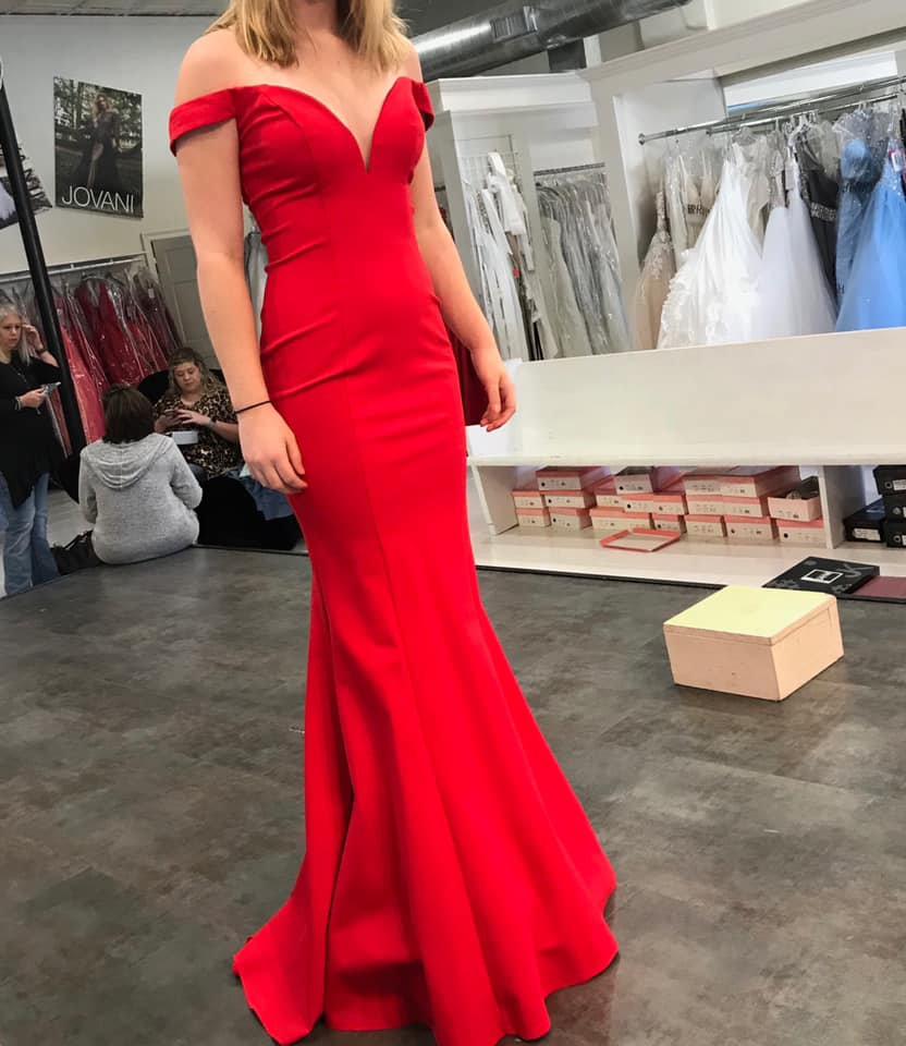 2019 New Mermaid Simple Red Long Prom Dresses Off the Shoulder Short Train Teens Formal Evening Party Gowns Sale