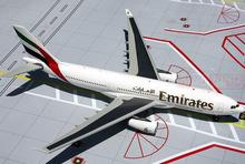 GeminiJets Emirates airline A6-EKR G2UAE371 1:200 A330-200 commercial jetliners plane model hobby