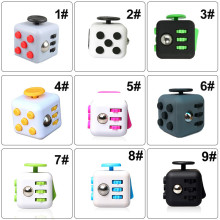 Hot Sale 11 Colors Choice 3.3cm Hand Fidget Spinner Cube Anti-stress Relief Desk Spin Toys Cube Dice Retail Box for Kids Toys