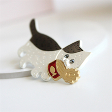 DoreenBeads 1PC Lovely Cat Eat Canned Fish Brooch Harajuku Style Safety Pin for Sweater Coat T Shirt Scarf Hat Bag Decor 5.5x3cm(China)
