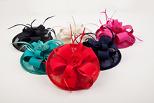 Popular Red Blue Girls Satin Headwear Top Hat Fascinator Hairpin For WOmen Ladies Fancy Party Dinner Feather Sinamay Fascinators