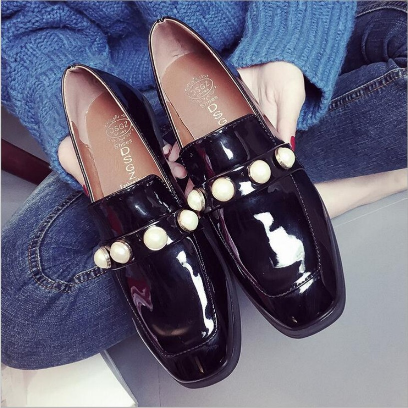 2017 spring new womens shoes casual flats pure color shallow patent leather shoes pearl dec women flat shoes zapatos mujer oxfod<br><br>Aliexpress