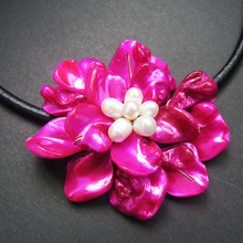 Classic white baroque pearl purple shell flower leather necklace