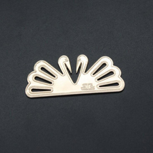 1pcs high brand clothing trademark metal embossed custom label for clothes bag or shoe trademark 1.5*3.5cm metal sewing labels