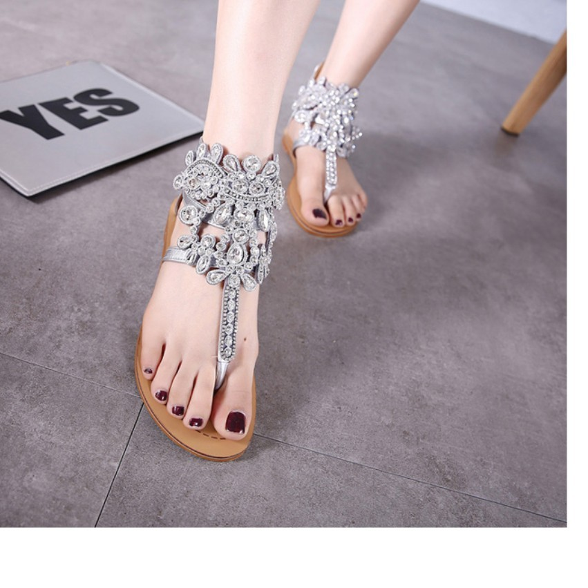 Luxury Handmade Rhinestone Crystal Sandals Summer Hot T Strap Thong Diamond Decoration Casual Flat Sandals Gladiator Rome Shoes<br><br>Aliexpress
