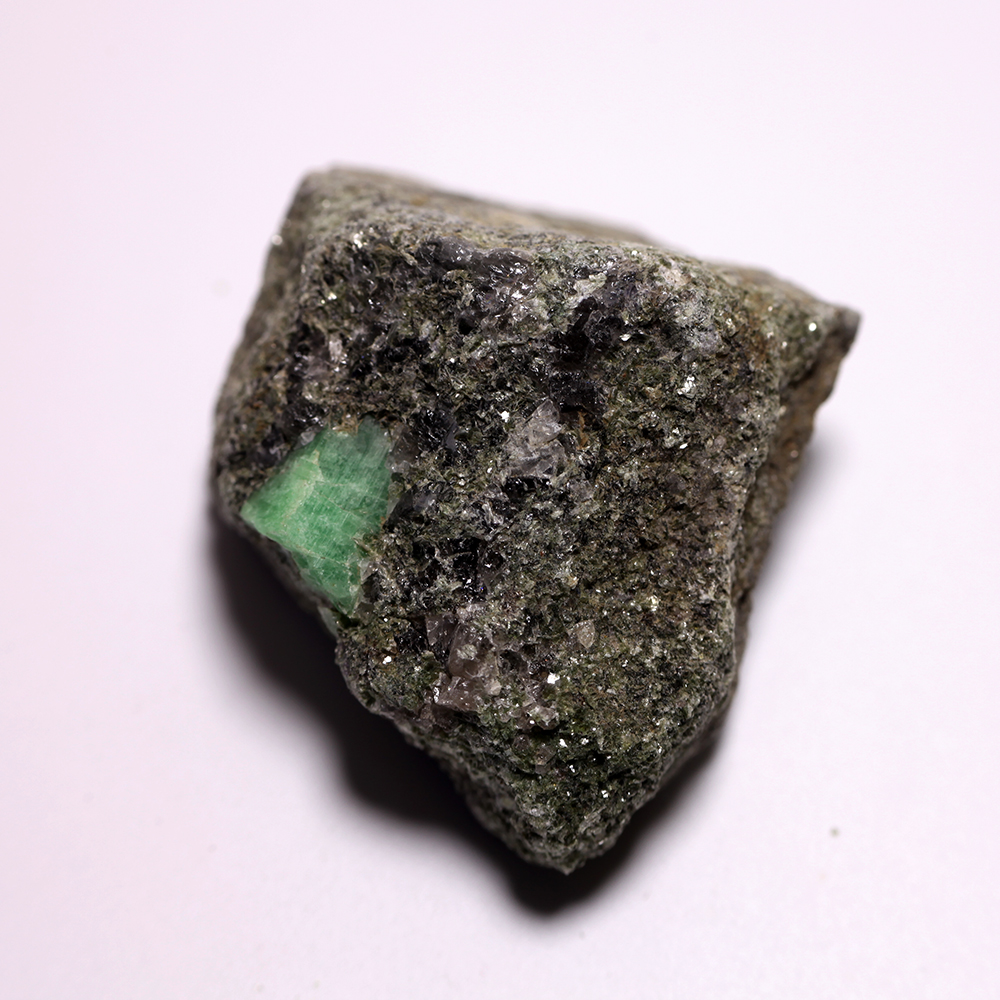 981g Natural Stones And Minerals Rock Emerald Green Symbiosis With Durie Cordlesscircuittester328v Quartz Crystal Gem Stone Ore Sample Collection Us219