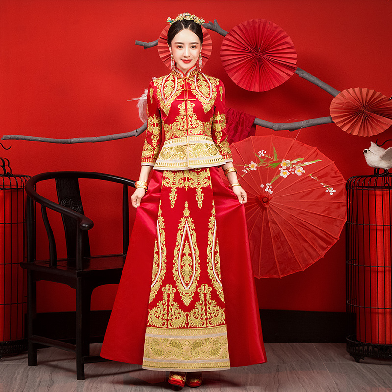 Ancient Bride Wedding Dress Gown Chinese Women Qipao Rhinestone Handmade Embroidery Flower Exquisite Cheongsam Marriage Gift