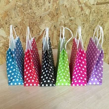 10PCS 21*15*8cm Polka Dot kraft paper gift bag Festival Paper bag with handles Fashionable jewellery bags wedding birthday party