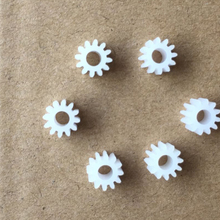 30pcs 12teeth/hole 3mm/OD 7mm/0.5M/plastic gear/rc car/hot wheel/DIY toys accessories/technology model parts/baby toys/123A