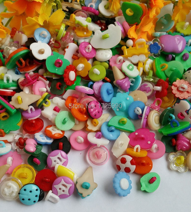 100pcs - Plastic Cartoon Animals Novelty Shank Children Candy Buttons variety styles botoes scrapbooking(China (Mainland))
