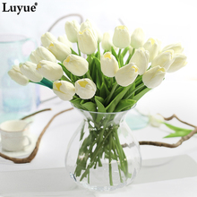 Luyue 31pcs Tulip Artificial Flowers PU artificial bouquet Real touch flowers Home Wedding New Year decoration garden & wreaths(China)