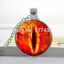 HZ--A523 New Fire Dragon Eye Necklace Game of Thrones Glass Jewelry Girls Glass Cabochon Necklace HZ1