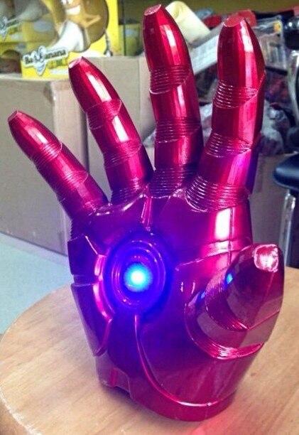 Free Shipping Superhero Iron Man Mark 3 Glove with LED Light PVC Action Figure Toy 1pcs HRFG117<br>