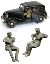 1/35 scale WW2 miniatures Soviet car driver Resin Model Kit figure Free Shipping
