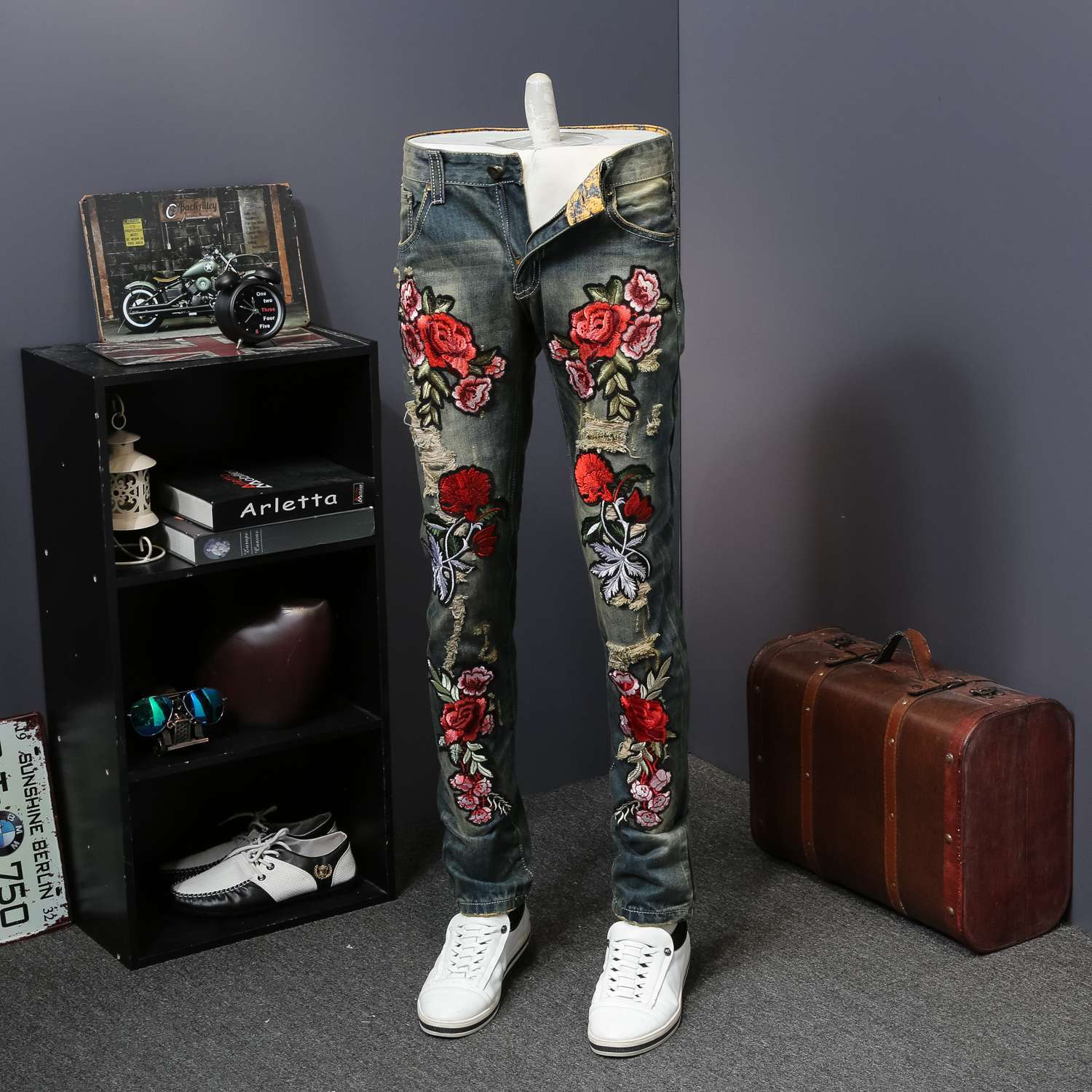 Skinny Jeans Men Trousers 2019 Fashion Flower Embroidery Men Jeans Summer New Skinny Jeans Men Casual Slim Fit Blue