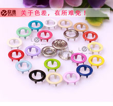 200 sets of environmentally friendly paint quality 9.5 mm hollow 15 color metal brass buckle buckle wholesale children's button