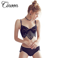 Hot 2017 sexy bra set underwear bra set embroidery sexy lace bra ultra-thin temptation black and white brassiere and panty