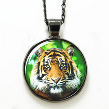 10pcs/lot   Tiger necklace, Wildlife  necklace the monarch of all beasts necklace print photo  Jungle king necklace