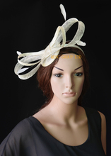 NEW Ivory sinamay fascinator with big sinamay bow&feathers for Tea Garden party Royal Races Kentucky derby.(China)