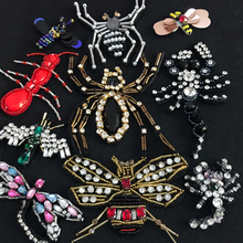2017 Bee spider insects crystal rhinestone patches applique beaded sequins collar sewing clothing decoration patch accessories(China)