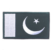 1pcs Pakistan Flag Patch Right Arm Embroidered Badge Military Tactical Backpack Caps Badges Fabric Armband Stickers For Clothes