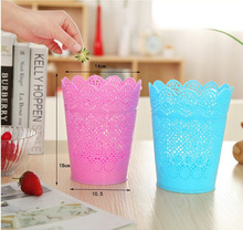 Plastic Flower Trash Can Bin Office Desktop Organizer Paper Basket Small Sweet Lace  Storage Mini Desktop Trash Can