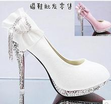 bride wedding shoes thin high heels shallow mouth heart shaped Rhinestone shoes lady party pumps single shoes plus size 34-41(China)