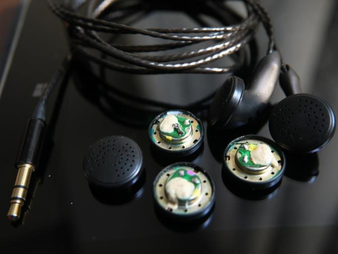 diy pk2 earphone 16ohms silver plated wire Impeccable vocals and high frequency<br>