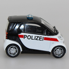 Children Toys 1/43 Scale Smart City Coupe Zinc Alloy Diecast Car Models Police Car brinquedos Collectible