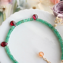 100% Natural Colombia emerald bracelet with a small oval-shaped garnet young fashion design Fine jewelry Colombia Only one