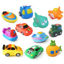 8pcs/lot Soft Rubber Vehicle Car Boat cartoon animals Water Toys Squeeze Sound Spraying Beach Bathroom baby Toys For Children