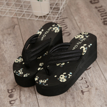 New arrival 2016 Summer Fashion Decorative Pattern High Heels Slip-resistant Flip Flops   Wedges Slippers Female
