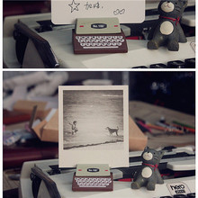 JETTING 1pcs Mini Retro Typewriter desktop figurines wooden message note clip pictures photo holder Arts crafts(China)