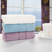 A towel bedding flowers on behalf of weaving twistless towels out of stock