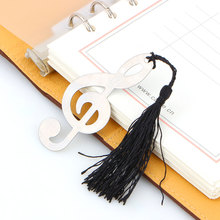 2017 Hollow Musical Notes Bookmarks Metal With Mini Greeting Cards Tassels Pendant Gifts Wedding Favors With Retail Box(China)