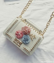 Female shoulder bags 2017version of the knitting chain handbag summer new hit color flowers pearl small square Messenger bag