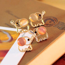 2016 New hot sale Fashion Lovely Gold Elephant White Pink Rinestone Opal stud earrings women Statement earrings for party