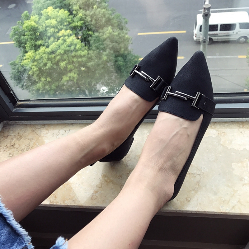 The new tide of han edition metal buckles light mouth pointed flat student leisure big yards flat documentary shoes<br><br>Aliexpress