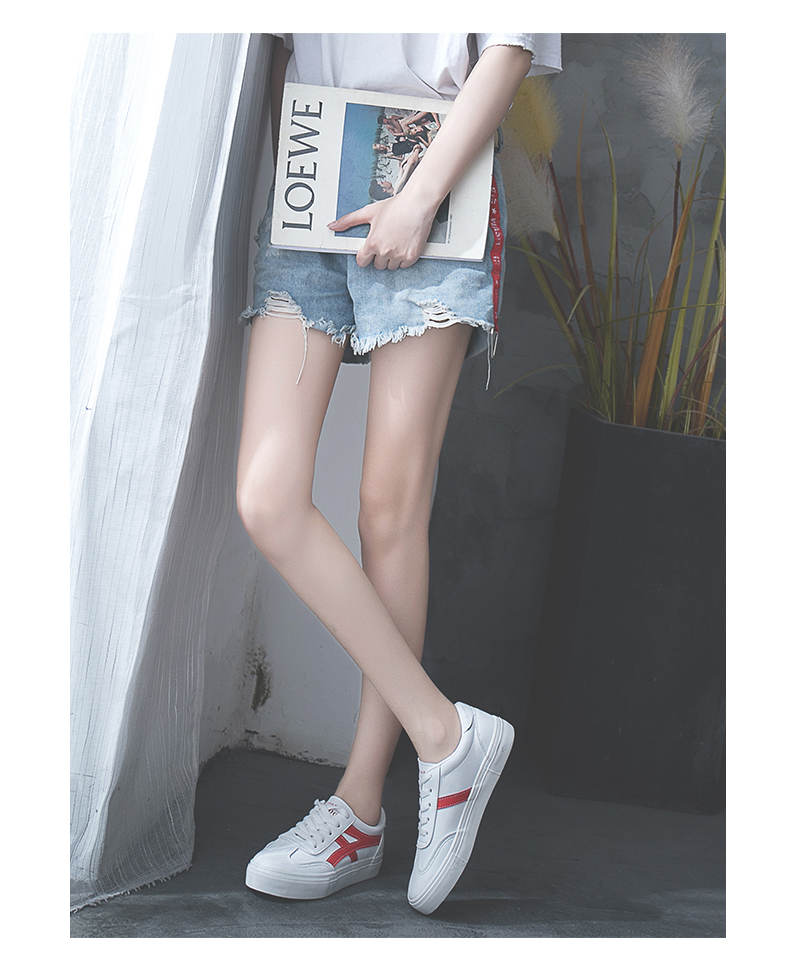 حذاء نساء لون ابيض 23