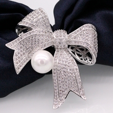 Fashion Jewelry Bow White Gold Pated Shell Pearl&Zircon Scarf Brooches Pins Clothes Accessories For Women Christmas Gift(China)