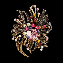 2017 New Graceful Noble Bow Knot Brooch Pins Personality Unique Design Bronze Gold Color Rhinestone Zircon Brooches for Women