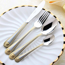 QL 4 pcs/set Vintage Western Gold Plated Dinnerware Dinner Fork Knife Set Golden Cutlery Set Stainless Steel Engraving Tableware