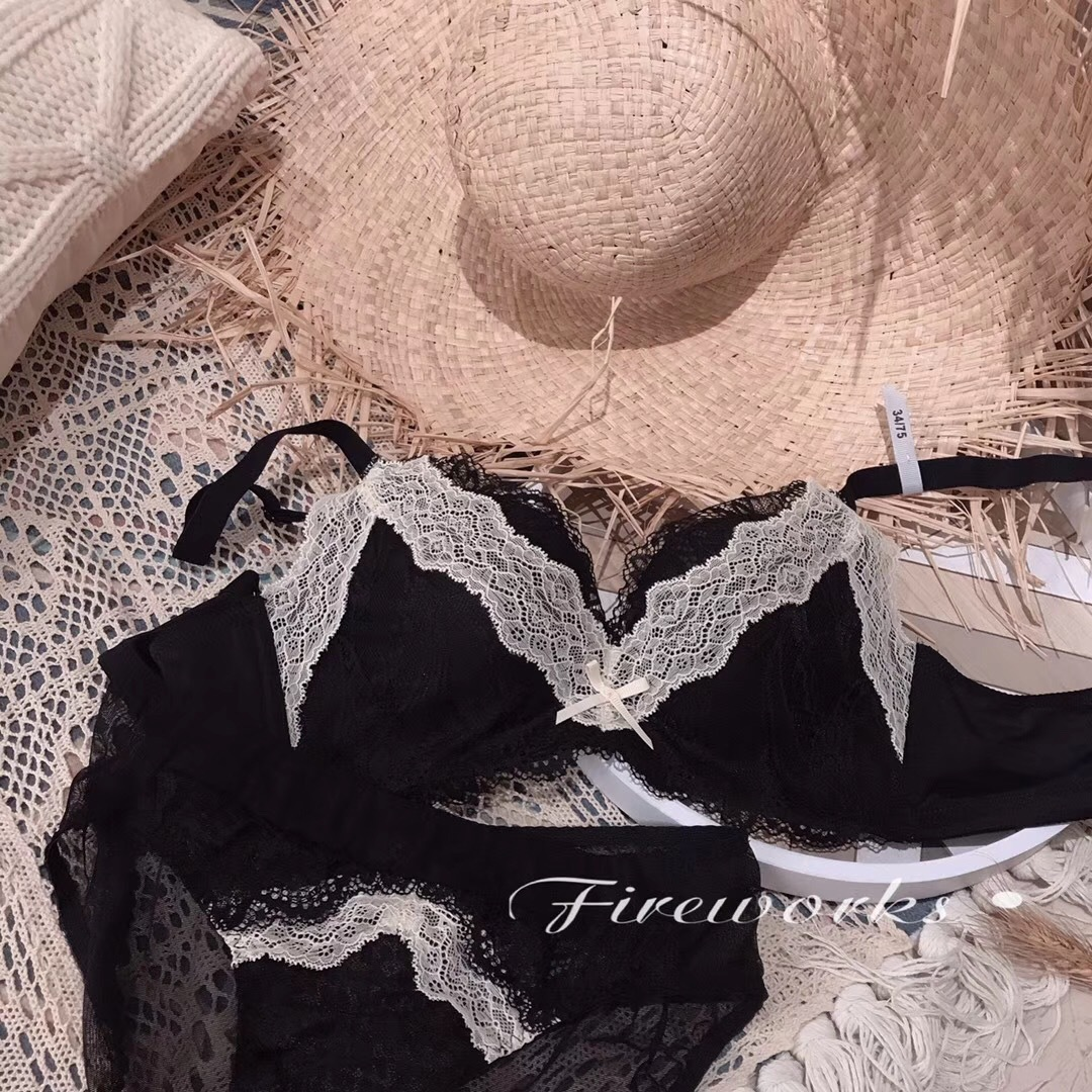 Fireworks Baroque  Lace Deep V Sexy  bras  Small Chest push up bra Contrast Color sexy Famale  brassiere