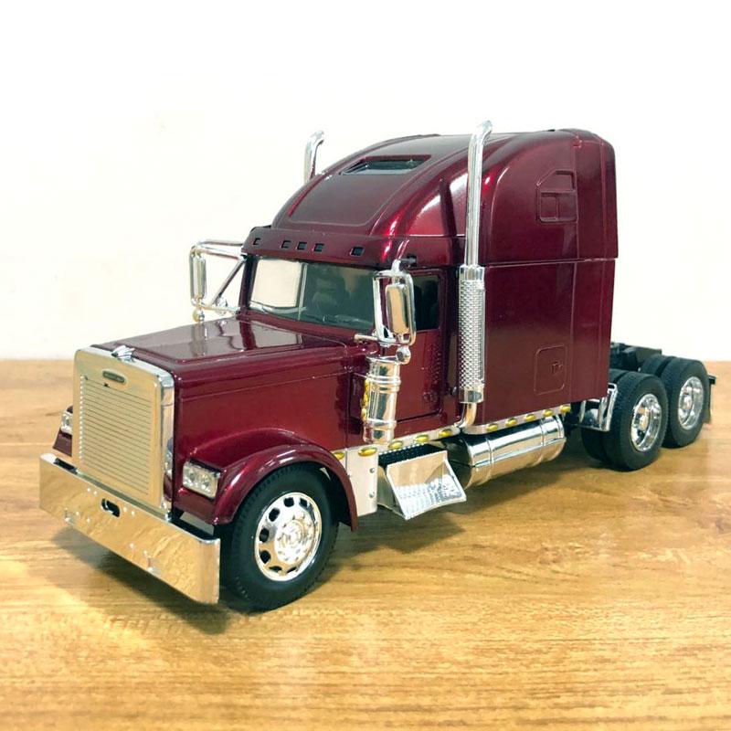 Freightliner Truck (2)