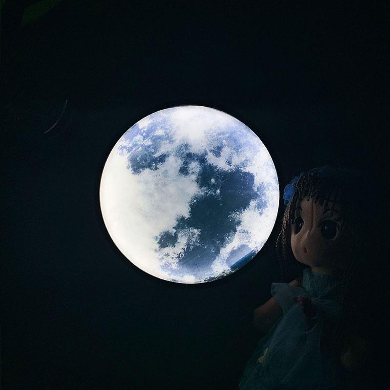 USB Round LED Makeup Mirror Light Vanity Lamp Romantic LED Moon Night Light Lamp for Bedroom Girls