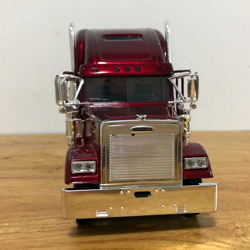 Freightliner Truck (8)