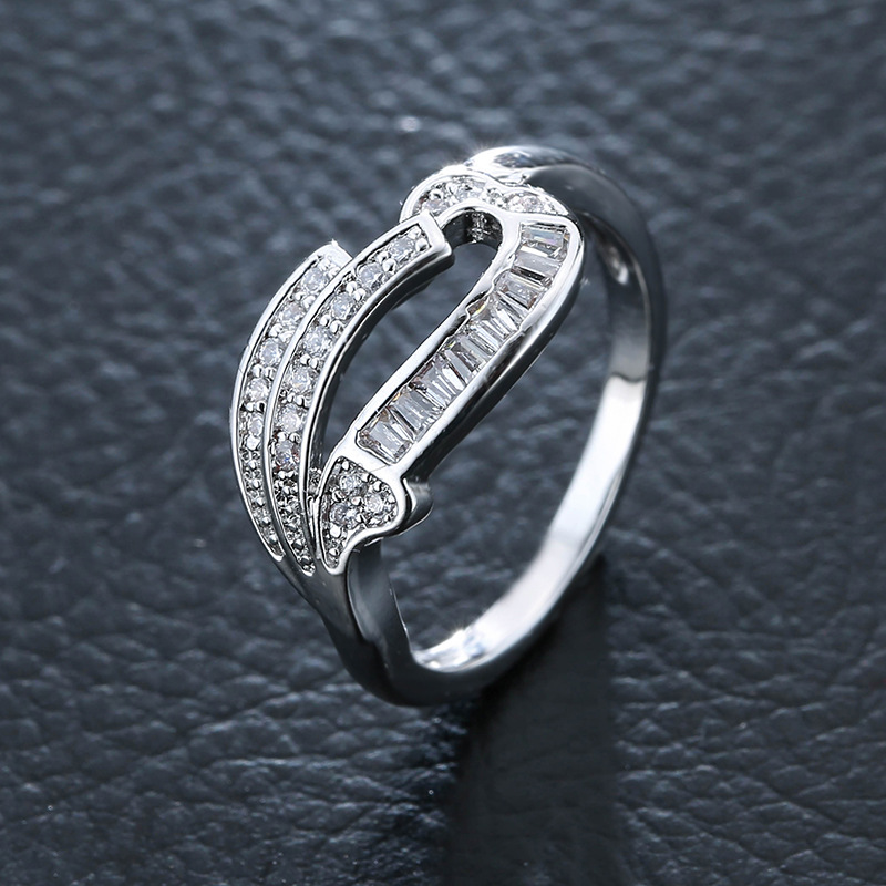 New Ring Couple Jewelry Personalized Ring Fashion Trend Inlaid Zircon Stainless Steel Ring Gift